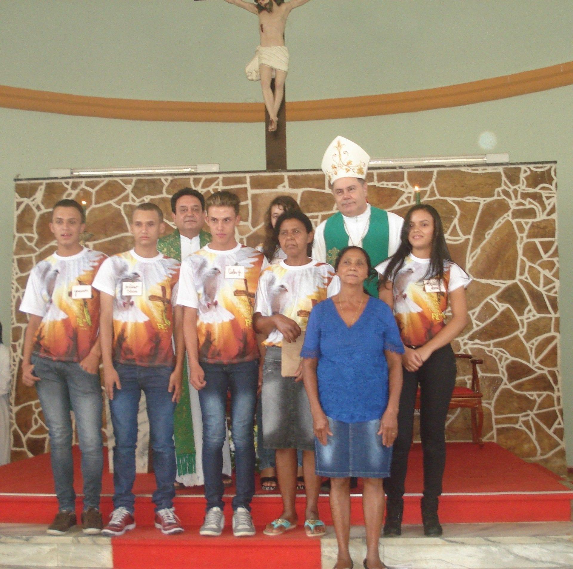Crisma na Paróquia São Gonçalo em Virgolândia-MG
