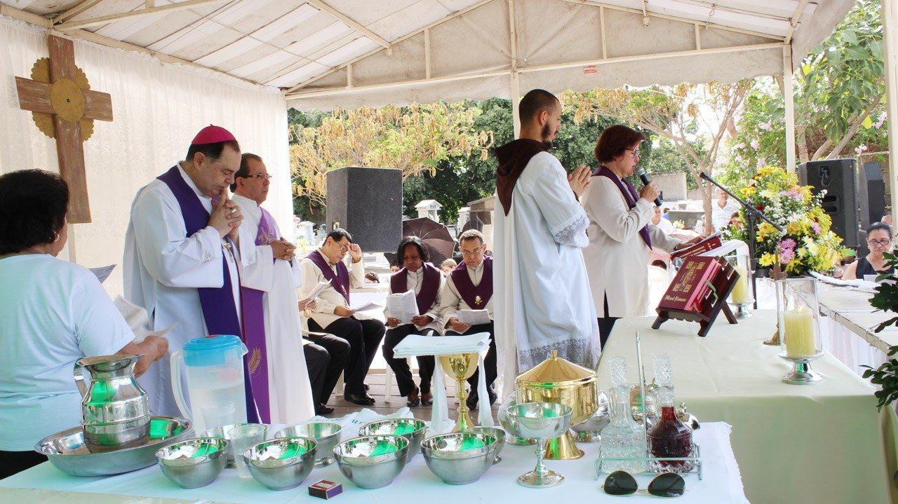 ESPECIAL FINADOS – Dia de Finados é celebrado em Governador Valadares