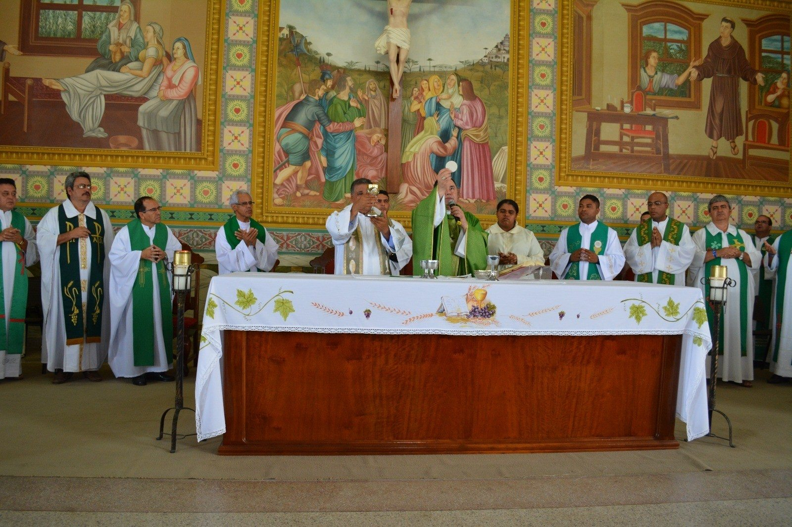 Dom Félix celebra no Santuário de Frei Galvão