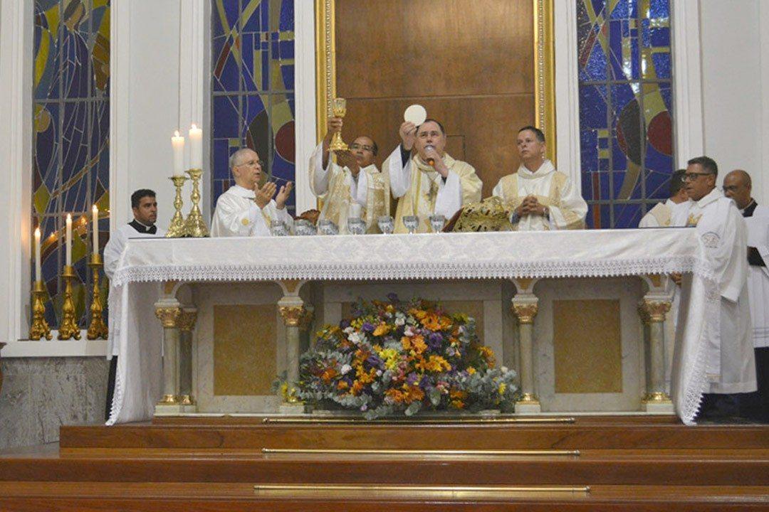 Especial 60 anos – Missa do Jubileu de 60 anos da Diocese de Valadares