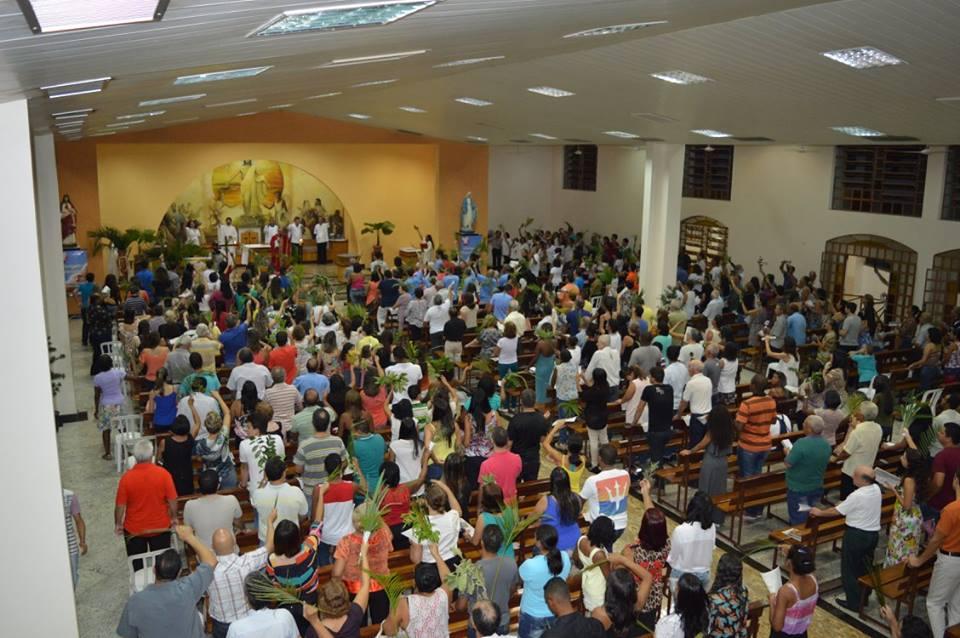 Semana Santa – Domingo de Ramos na Paróquia Nossa Senhora das Graças