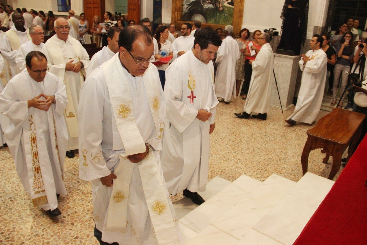 Especial Semana Santa – Missa da Unidade é celebrada na diocese de Valadares