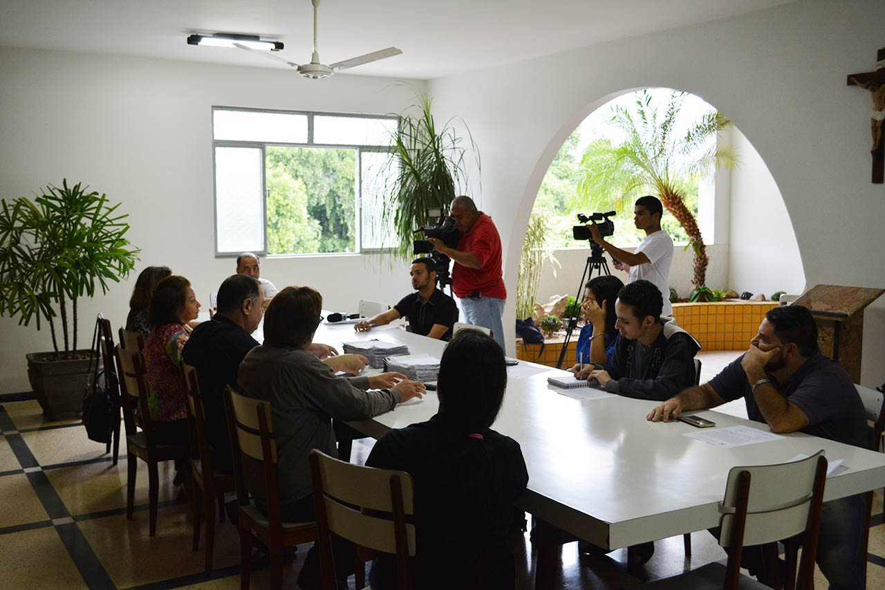 Dom Félix apresenta balanço da Campanha: ABAIXO-ASSINADO PELA CAPTAÇÃO ALTERNATIVA DE ÁGUA PARA GOVERNADOR VALADARES