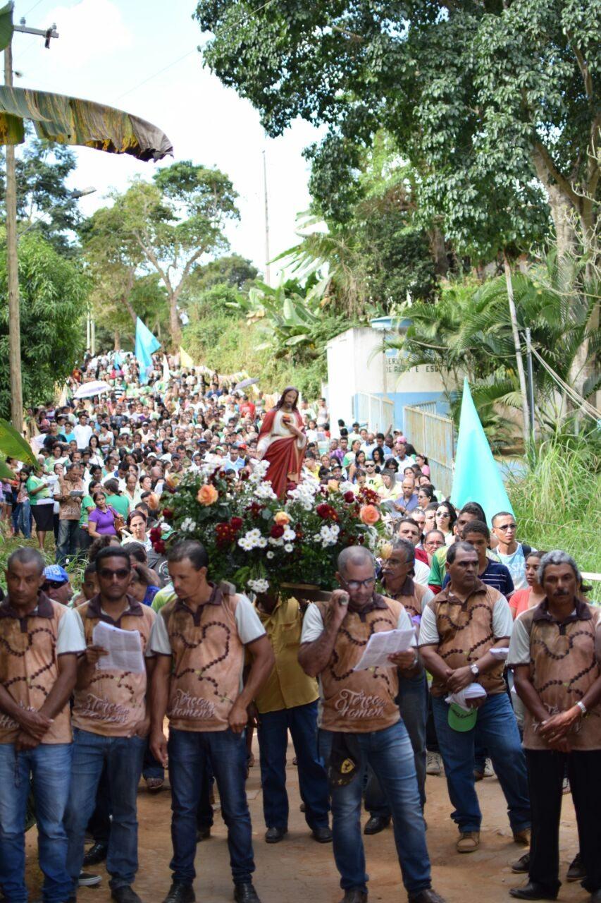 Paróquia Sagrado Coração de Jesus-GV realiza missão católica no Córrego dos Bernados