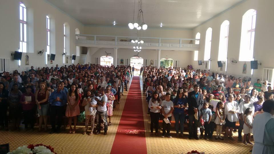 Padre Zezinho celebra Missa de Envio em Virgolândia