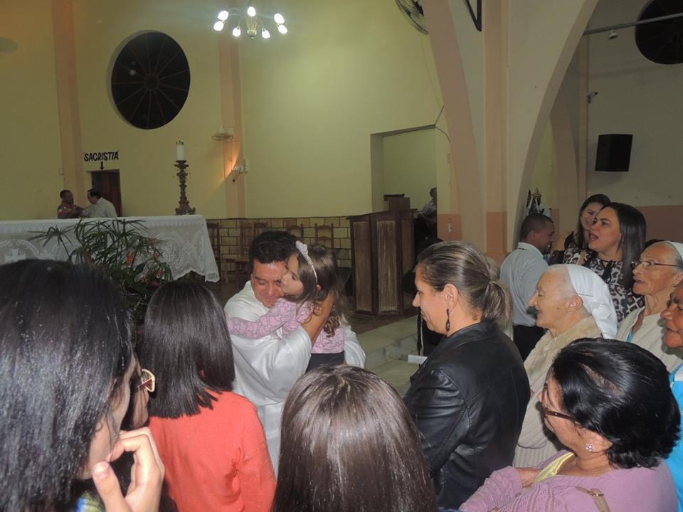 Padre Zezinho toma posse na Paróquia de Sant'Ana de Coroaci