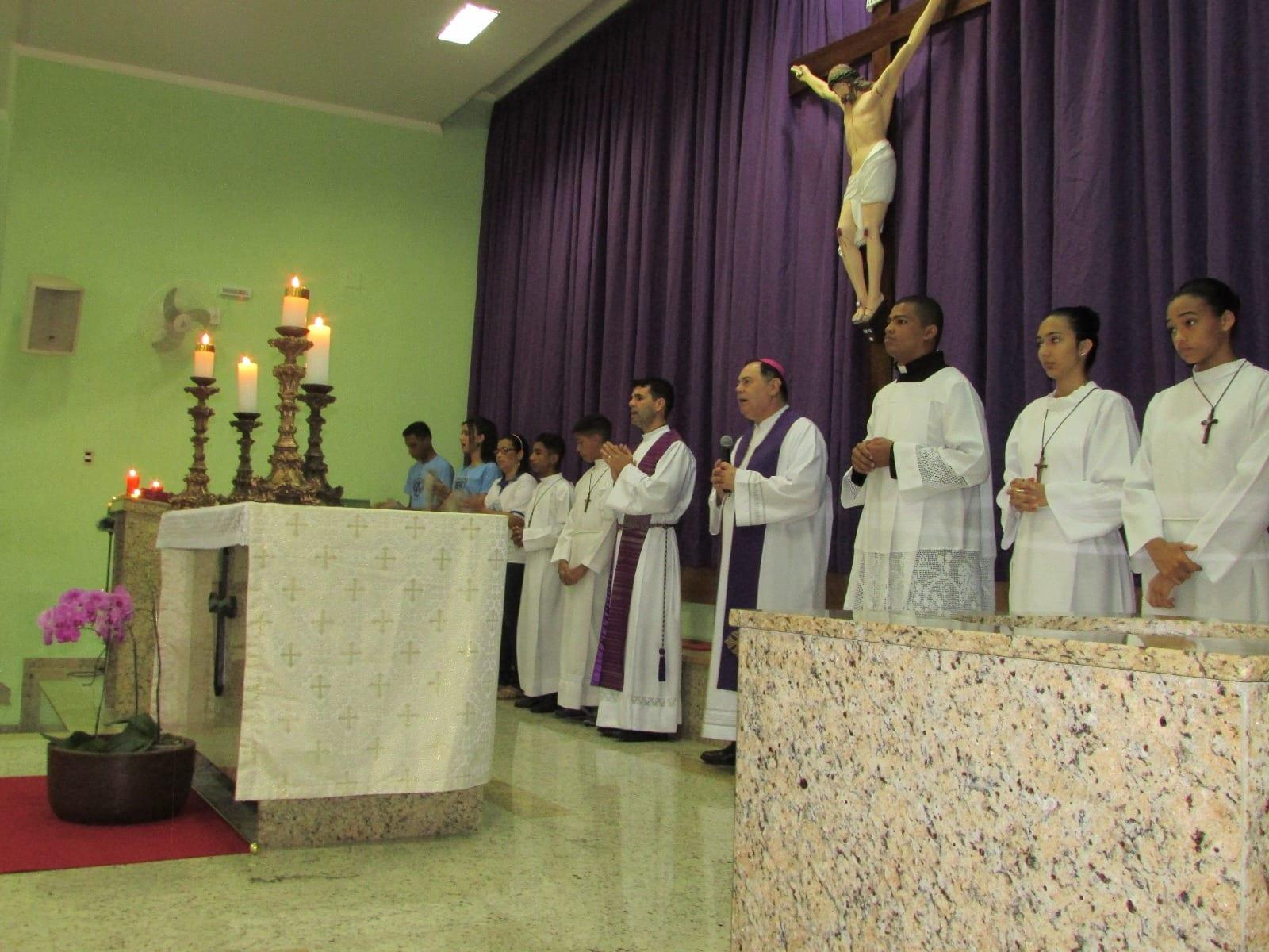 Dom Félix realiza Visita Pastoral na Paróquia Santa Helena em Valadares