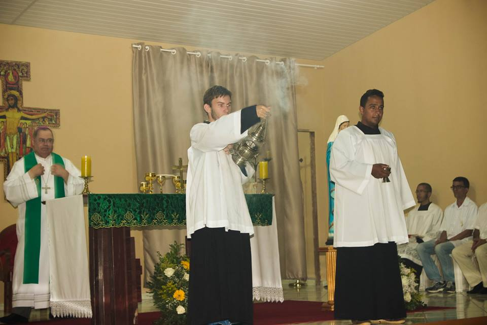 Missa na Fraternidade O Caminho em Engenheiro Caldas