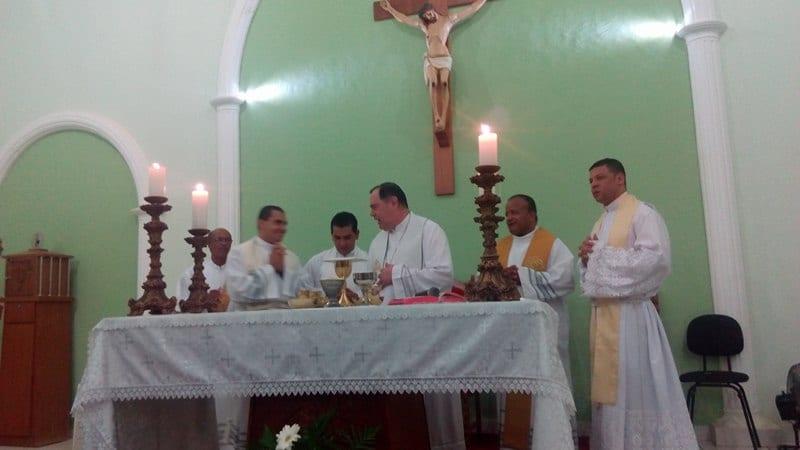 Padre Vinicius assume a Paróquia de Mathias Lobato