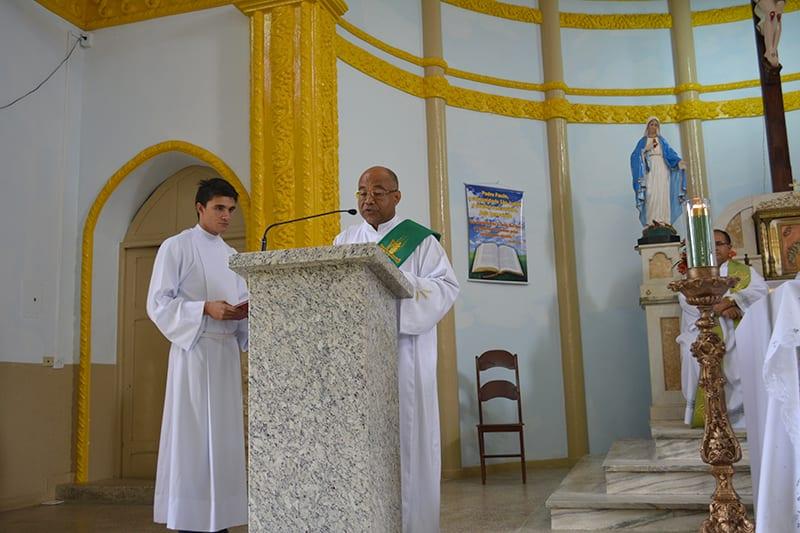 Padre Paulo Almeida é Vigário Paroquial de Itanhomi