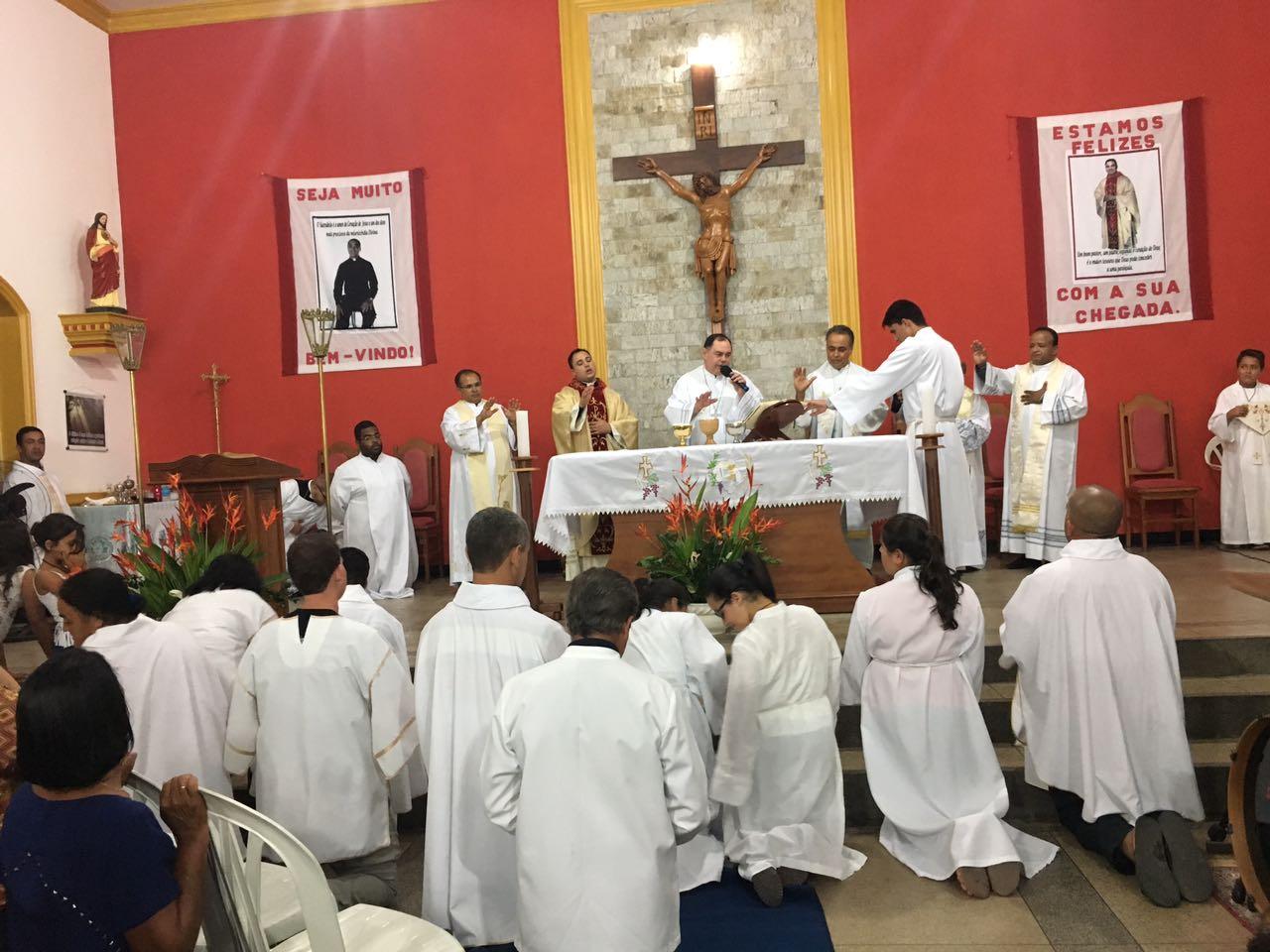Padre Edivan assume a Paróquia de Gonzaga
