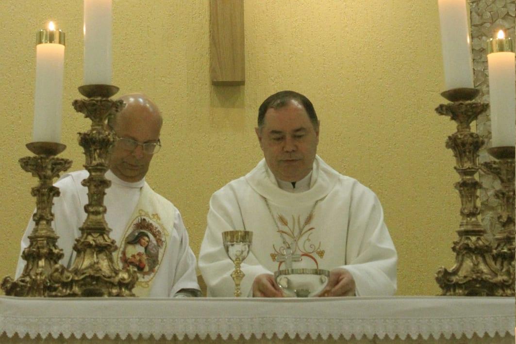 Padre Anderson assume a Paróquia Santa Teresinha
