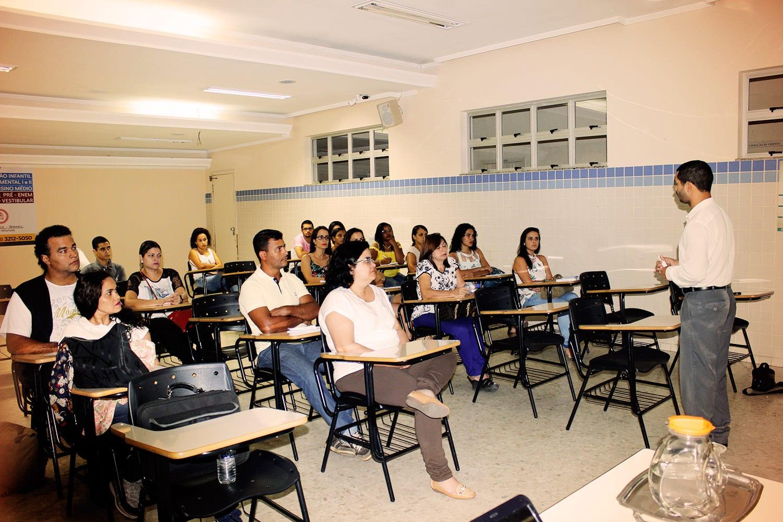 Jornada Docentes Cristãos é realizada em Valadares