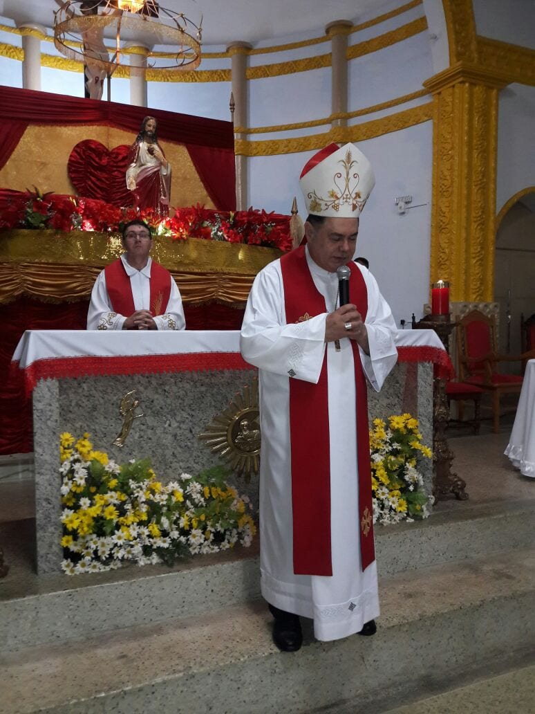 DOM FÉLIX CELEBRA NA NOVENA DO PADROEIRO EM ITANHOMI