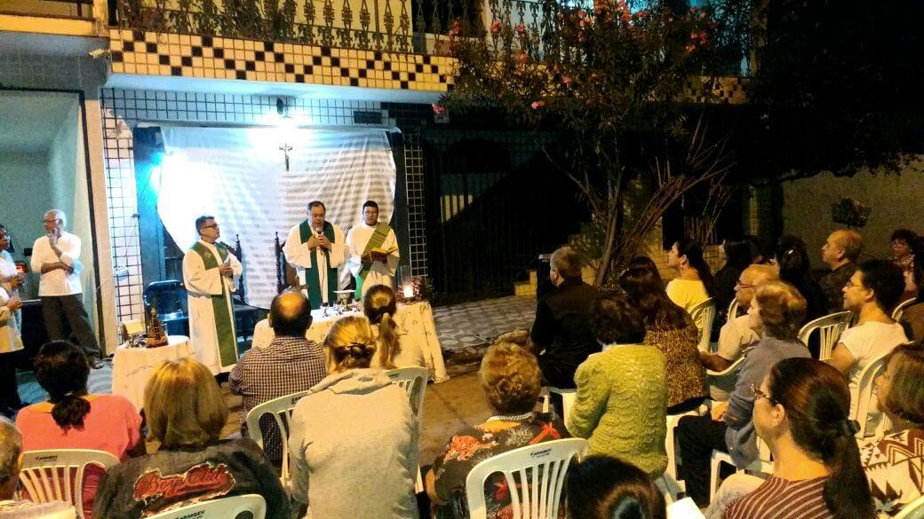 DOM FÉLIX CELEBRA MISSA NOS SETORES DA PARÓQUIA CATEDRAL