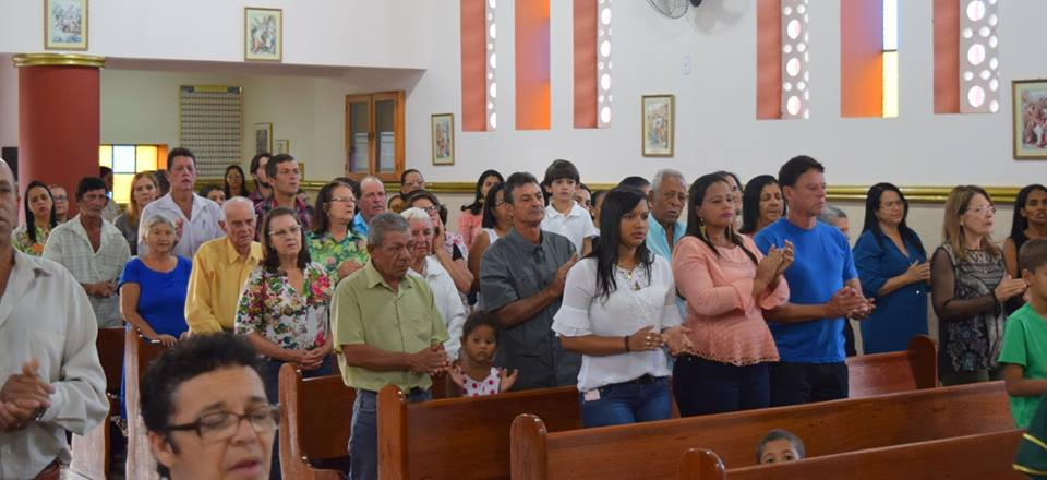 VISITA PASTORAL NA PARÓQUIA DE DIVINO DAS LARANJEIRAS