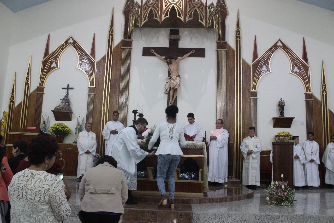 PARÓQUIA DE AÇUCENA ESTÁ EM FESTA