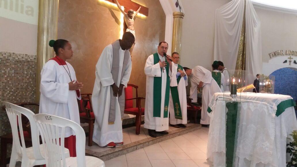 Dom Félix Celebra na Comunidade São Geraldo em Valadares