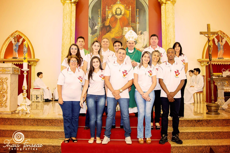 DOM FÉLIX FAZ CRISMAS NA PARÓQUIA DA ILHA