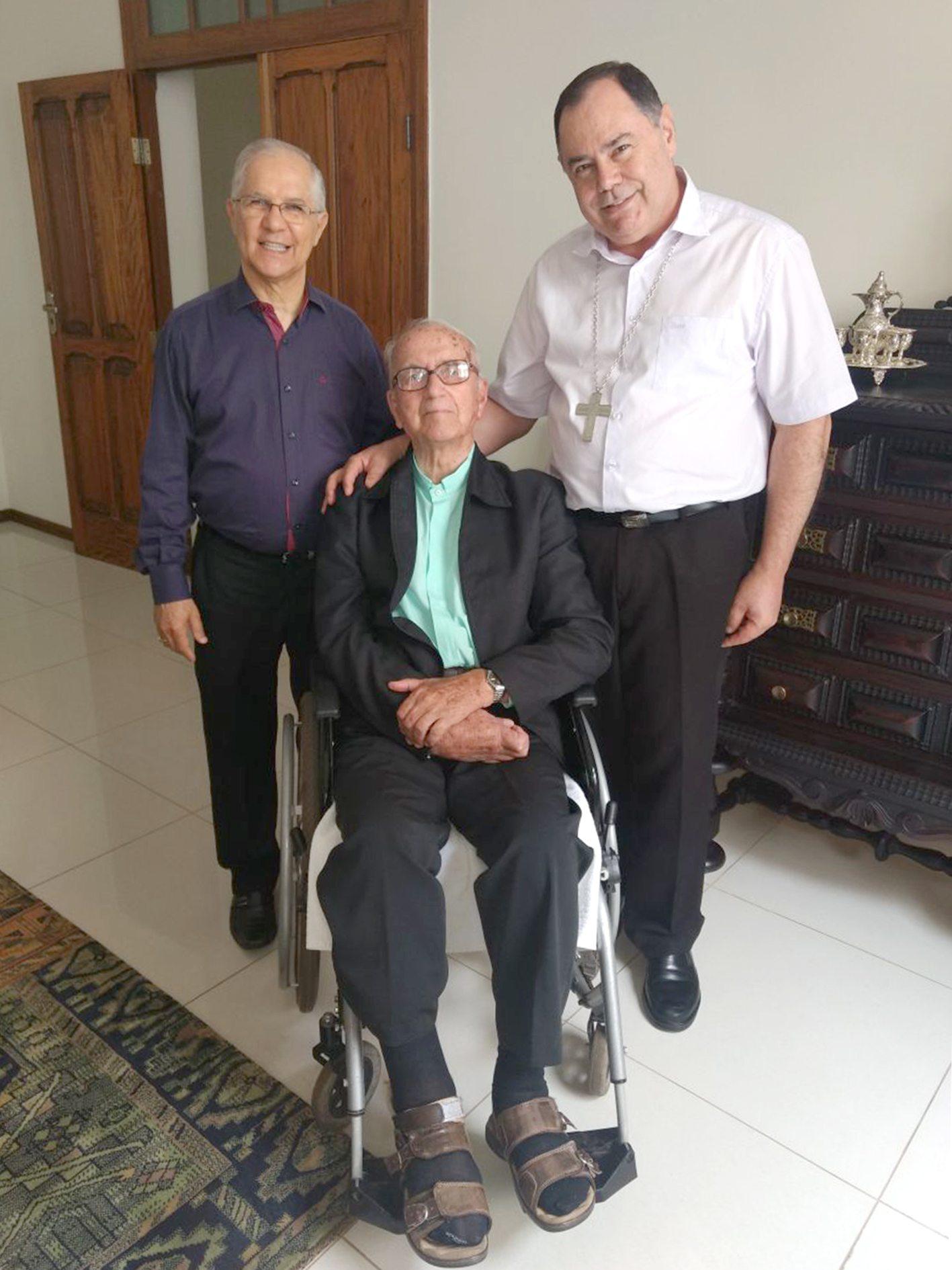 Dom José Heleno completa 90 Anos de Idade