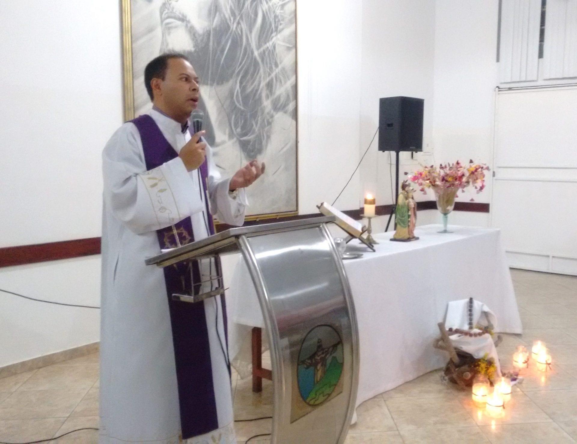 Pastoral Familiar realiza momento de reconciliação para Casais