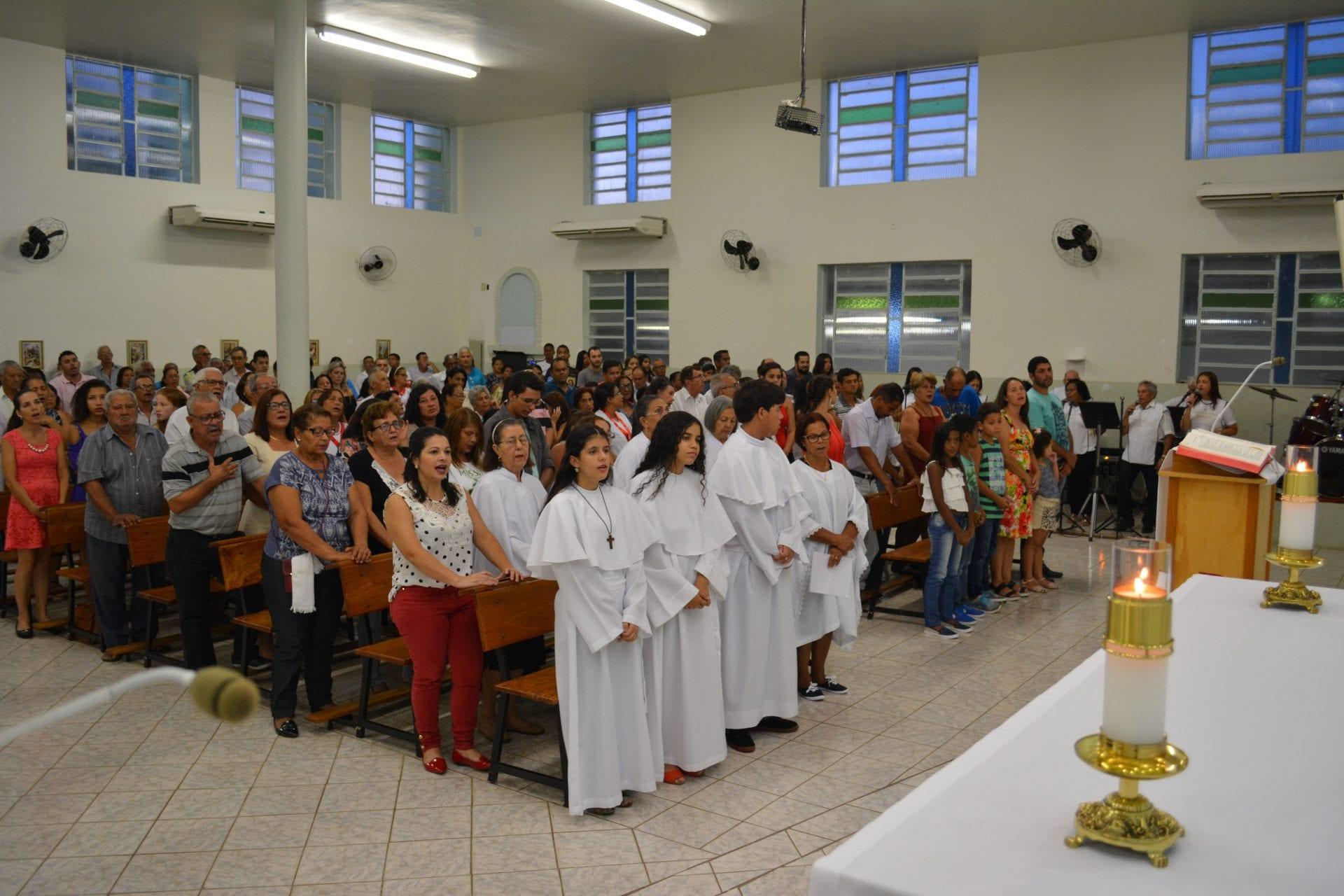 DOM FÉLIX DÁ POSSE DE PÁROCO AO PADRE JOSÉ RIBEIRO EM GALILEIA