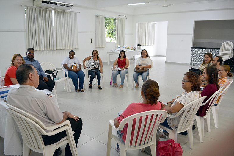 Reunião de Dom Félix com a EDC no Salão da Catedral