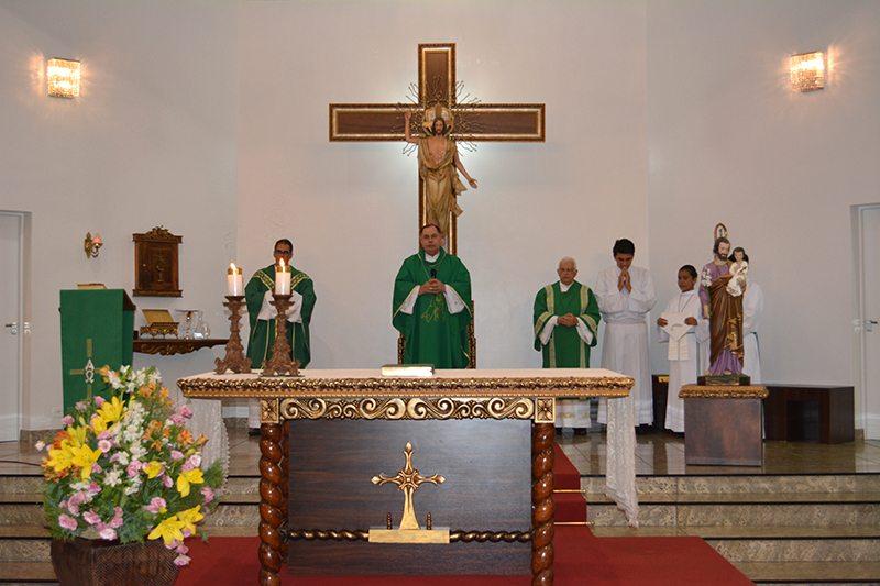 Dom Félix faz Visita Pastoral na Paróquia São José Operário