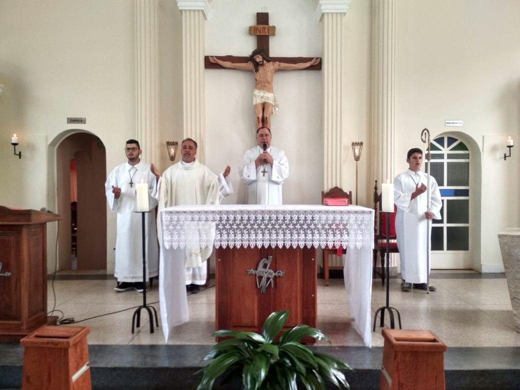 Dom Félix faz Visita Pastoral na Paróquia Santa Efigênia