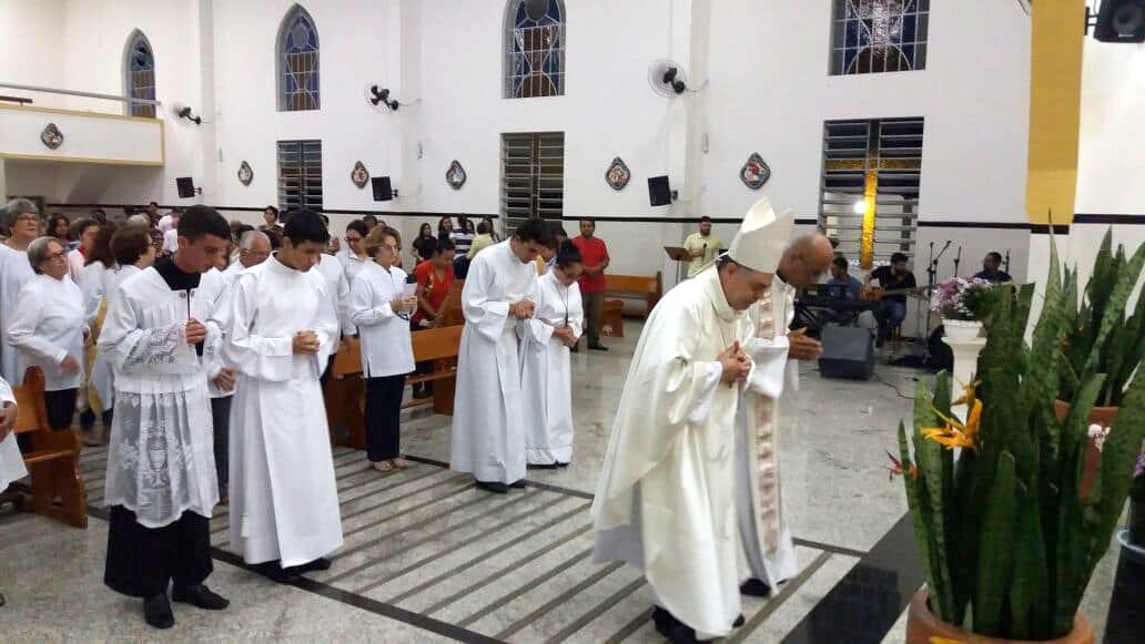 Dom Félix celebra na Trezena de Nossa Senhora de Fátima em Resplendor