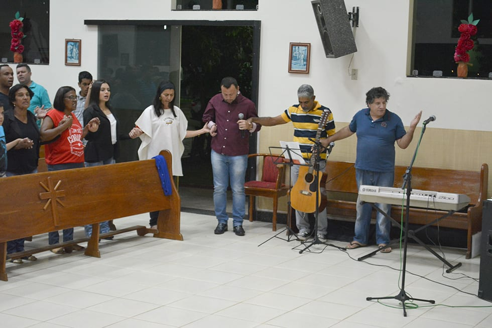 Dom Félix celebra Missa na Novena de Tumiritinga