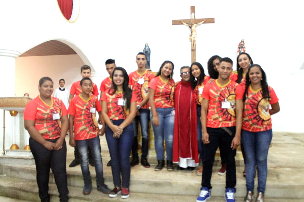 Padre Juca faz Crismas na Paróquia do Trevo