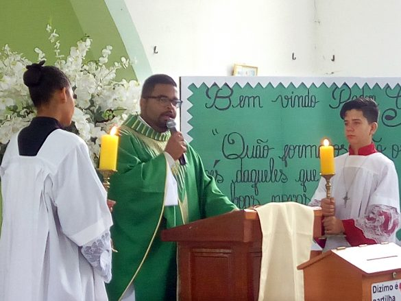 Padre Gustavo toma Posse como Pároco da Paróquia do Naque