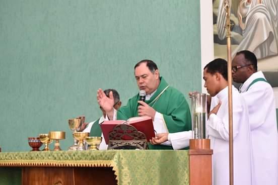 Dom Félix faz Crismas na Paróquia São Judas