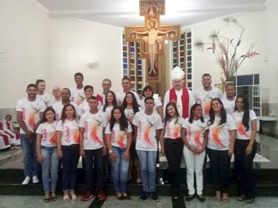 Dom Félix faz Crismas na Paróquia Santa Rita