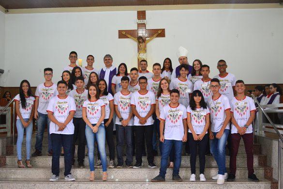 Dom Félix faz Crismas na Paróquia da Vila Isa