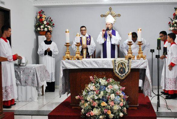 Dom Félix celebra na Novena de Guadalupe