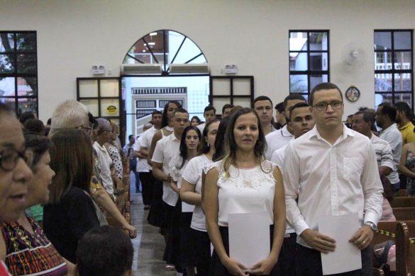 Dom Félix celebra Missa na Paróquia Santa Terezinha para a Comunidade Missionária Ágape