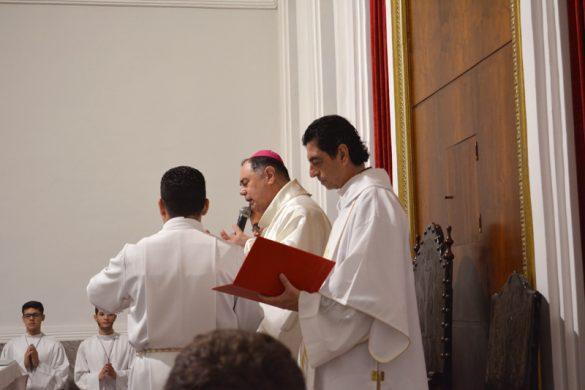Solene Vigília Pascal na Catedral de Valadares