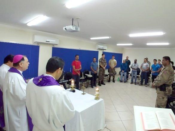 DOM FÉLIX CELEBRA MISSA NA CIPE DA VILA BRETAS
