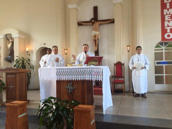 Dom Félix faz Crismas em Santa Efigênia de Minas