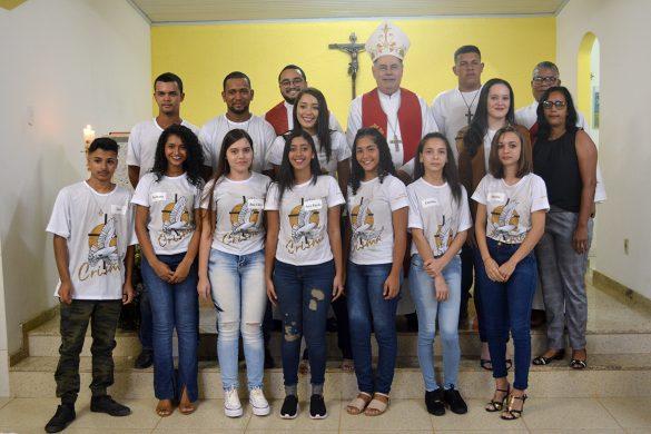 Dom Félix faz Crismas na Comunidade dos Bernardos