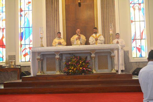 Catedral de Valadares celebra a Trezena de Santo Antônio