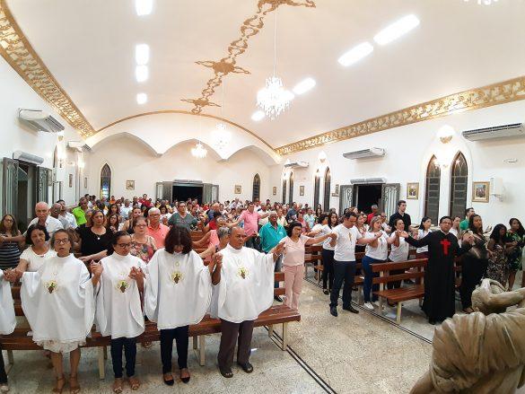 Dom Félix celebra Missa na Comunidade São Vicente