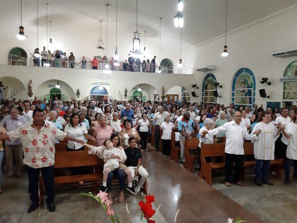 Dom Félix dá Posse ao Pe. Carlos em Divino das Laranjeiras