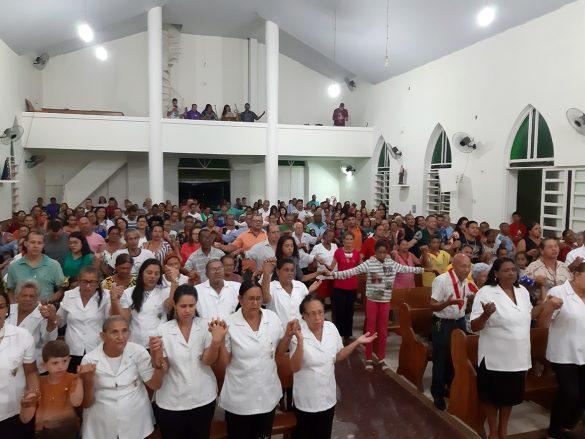 Dom Félix dá Posse ao Pe. Messias em Mathias Lobato