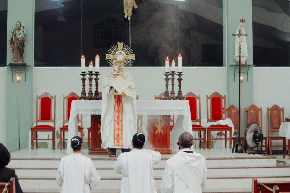 Missa do Sagrado Coração de Jesus na Paróquia Cristo Redentor