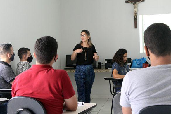 FORMAÇÃO PARA OS CANDIDATOS AO SEMINÁRIO
