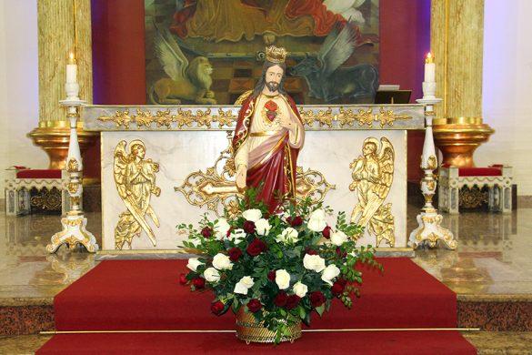 MISSA DO SAGRADO CORAÇÃO DE JESUS NA PARÓQUIA DA ILHA