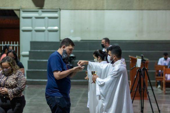 MISSA DO SAGRADO CORAÇÃO DE JESUS NA VILA ISA